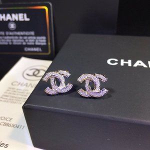 Jewelry - c earrings